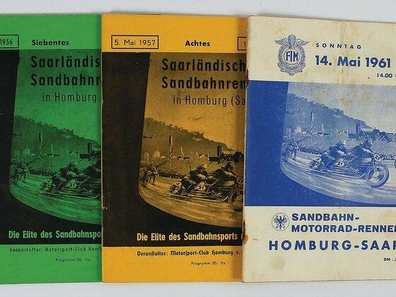 Drei Programmhefte von den Sandbahnrennen in Homburg an der Saar